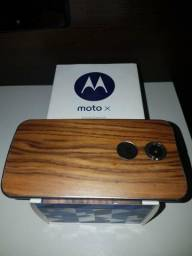 Celular Motorola amadeirado