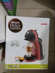 Cafeteira Dolce Gusto ARNO Nova na caixa