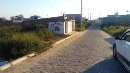 Vende-se um terreno em Um bom local na entrada da Cohab 2 com escritura