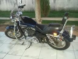 Harley Davidson 1200 Custom - 2012