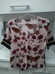 Blusa estampada (tamanho 40)
