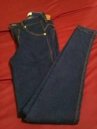 Calça e blusa de marca por 60,00