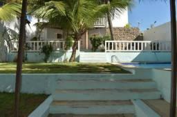 """Casa""""Mansão"""" com área de 700m² no coração da canoa quebrada a 5 minutos a pé da praia"""