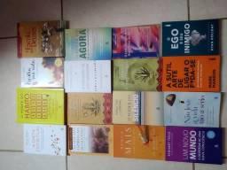 Livros semi novos, super conservados contato pelo whatsapp (37- *) Itaúna MG