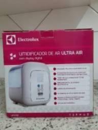 Umidificador Electrolux Ultra Air Mod. UM05E Digital 4,5L comprar usado  Santo André