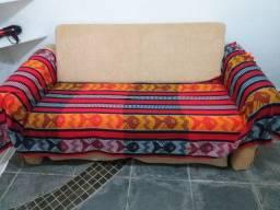 Sofá e sofá cama de  3 lugares.