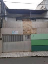 Alugo casa duplex no Centro ótima para clínica