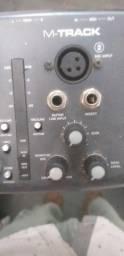 Título do anúncio: Placa de áudio M-track 2x2 mobile interface usada