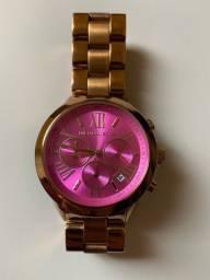 Título do anúncio: Relógio Michael Kors rose gold com fundo rosa