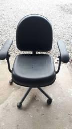 Cadeiras para Escritório Leia o Anúncio