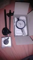 Vendo relógio comparador com base novo nunca usado muritoyo