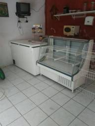 Frizer e balcão expositor refrigerado