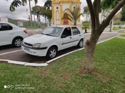 Fiesta Class completo - ar excelente estado - 2001