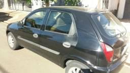 Carro tem 28 parcelas de 465 reais - 2007
