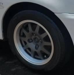 Vendo rodas Binno 14 pneu novos e 1 meia vida
