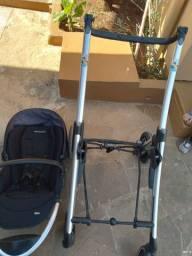 Vendo carrinho de bebe de encaixe