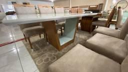 Mesa belíssima de madeira e acabamento laka seis lugares nova