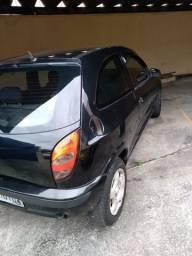 Título do anúncio: Celta 2001/2002 carro novo