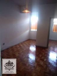Título do anúncio: Apartamento 2 quartos, sala, banheiro social, cozinha, área de serviço, banheiro de empreg