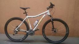 """Bicicleta MTB Caloi 29er - Shimano Deore - Quadro 20"""""""