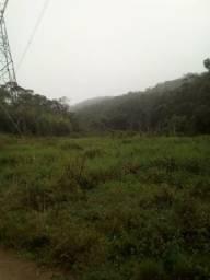 Vende se um terreno em Ibiuna