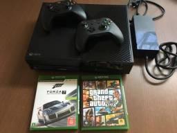 Xbox One 500gb + 2 controles + 2 jogos