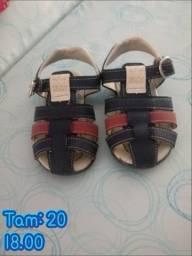 Sandálias e chinelinhos!