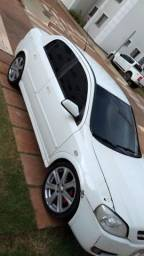 Astra sedan financiado - 2008