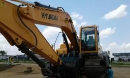 Escavadeira Hyundai R 220 série 9S