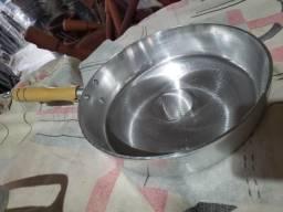 Frigideiras de alumínio batido com tampa