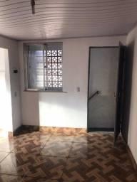 Sobrado - quarto e sala no mesmo ambiente em São Mateus