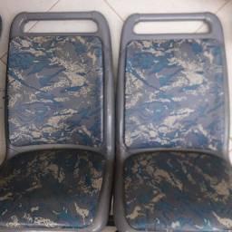 Vende se 46 cadeiras p ônibus urgente