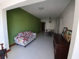 Amplo três quartos com suíte e excelente localização