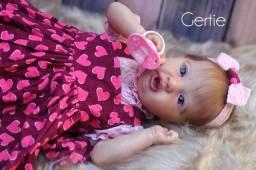 Título do anúncio: Bebê reborn original Gertie com placa de barriga