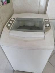Título do anúncio: Máquina 7 kg funcionando tudo só não joga água para fora