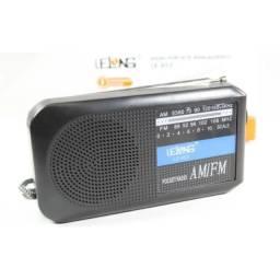 Radio Retro De Pilhas Am/fm Analogico - 8366
