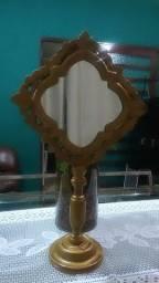 Espelho de nessa em madeira
