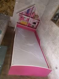 Cama Para Crianças tamanho padrão. Não acompanha o colchão.