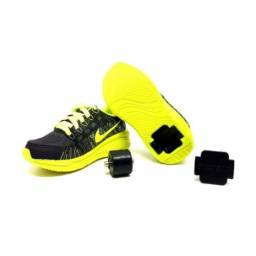 Tênis Infantil Nike com rodinhas menina e menino