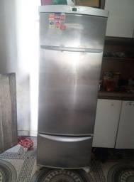Título do anúncio: Geladeira refrigerador