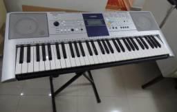 Yamaha PSR-323 Novíssimo, nunca usado, com suporte