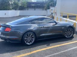 Ford Mustang GT V8 5.0 - apenas 3600 kms - 2017