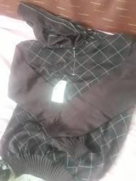 Blusa com capuz