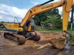 Escavadeira Hyundai R220LC-9 semi nova