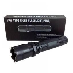 Lanterna Tática Militar Police 800.000 W Recarregável - Nova na Caixa