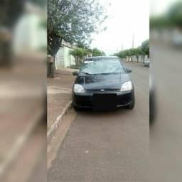 Vendo um Fiesta Sedan completo na troca outro valor pego Biz no negócio ou outro carro - 2006