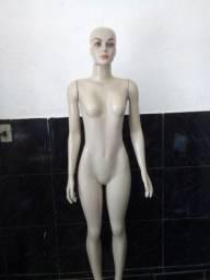 Maniquin feminina com base