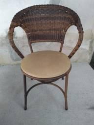 12 Cadeiras, 1 Mesa Quadrada (152 x 82) e 1 Mesa Redonda (110)