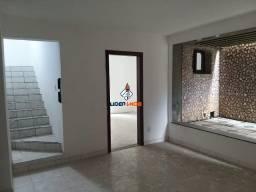 Casa Ampla para Aluguel Comercial - Duplex, 8/4, 3 Suítes - Avenida Maria Quitéria