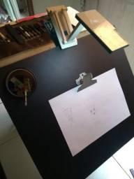 Prancheta inclinável para desenhos artísticos ou técnicos